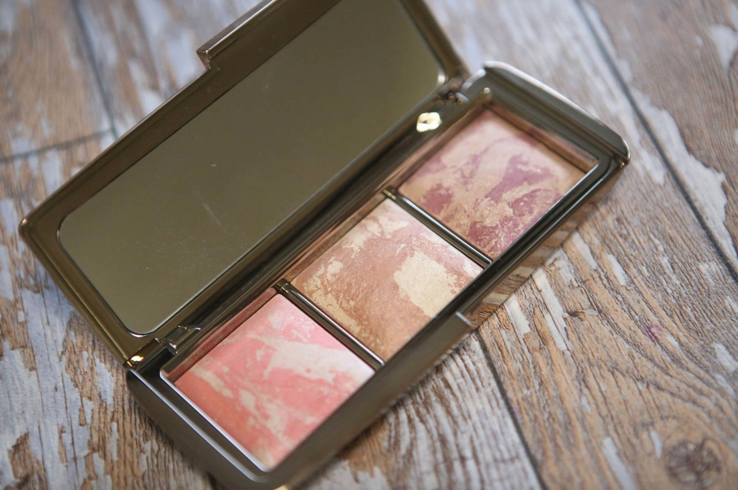 Is The New Hourglass Ambient Lighting Blush Palette Worth The Splurge?