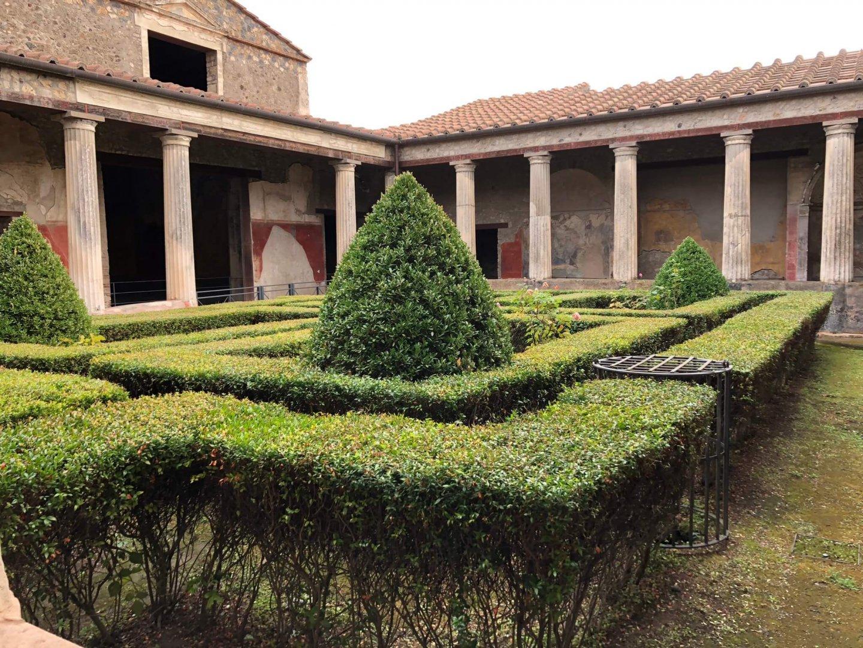 Taking A Day Trip To Pompeii